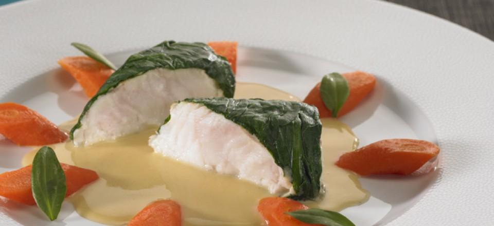 Tronçons de lotte en habit d'Aster, carottes confites /restaurant l'Armen.